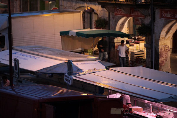 Le marché n'a pas lieu sous les arcades de la Bastide comme autrefois, Marché de Créon, Gironde