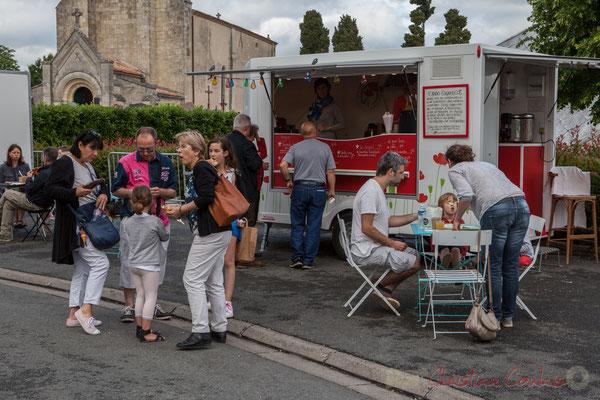 Restauration sur place, prévue chaque année au Festival JAZZ360, dans toutes les communes