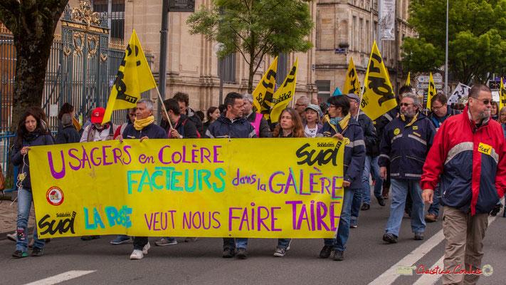 """10h37 Solidaires Sud """"Usagers en colère, facteurs dans la galère, la Poste veut nous faire taire."""" Cours d'Albret, Bordeaux. 01/05/2018"""