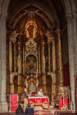 Le style plateresque (plateresco) est un style architectural de transition entre l'art gothique et la Renaissance. Particulièrement développé en Espagne, de la fin du XVème jusqu'à la fin du XVIème siècle. Iglesia de Santiago, Sangüesa, Navarra