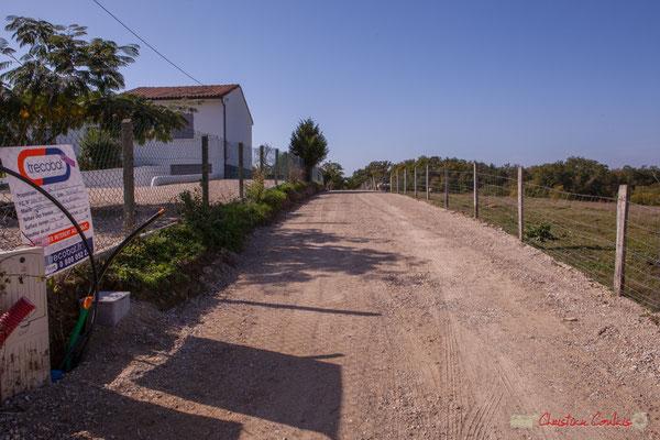 Nouvelles habitations en construction en 2ème, 3ème rang. Avenue de Moutille, Cénac, Gironde. 16/11/2017