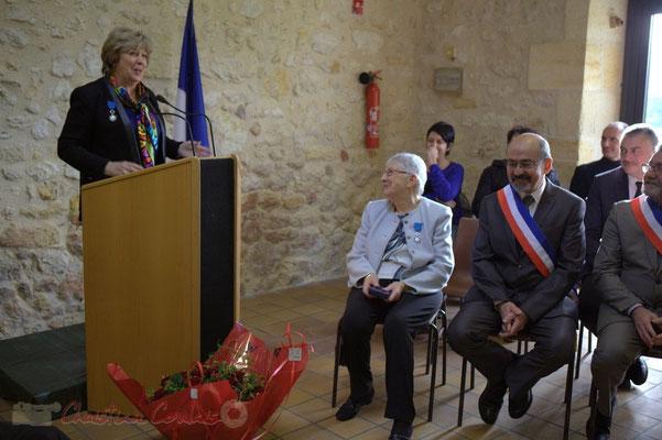 Françoise Cartron, Vice-présidente du Sénat va remettre à Suzette Grel la Médaille d'Or du Sénat. 7 février 2015, Le Pout