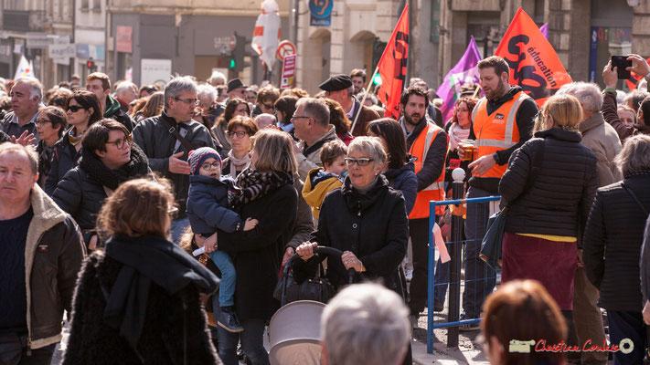 14h57 Sud Education. Manifestation intersyndicale de la Fonction publique/cheminots/retraités/étudiants, place Gambetta, Bordeaux. 22/03/2018