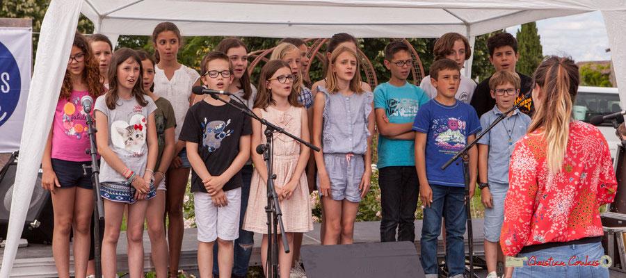 Pratiques artistiques scolaires, chorale de CM2 de l'école de Cénac dirigée par Pauline Laffont. Festival JAZZ360, Cénac. 08/06/2018
