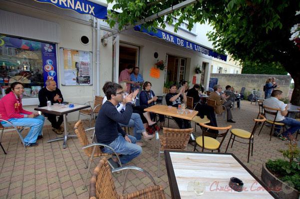 """""""En terrasse du bar Le Liberté"""" Festival JAZZ360 2012, second atelier Jazz de l'I.R.E.M.; Cénac, 09/06/2012"""