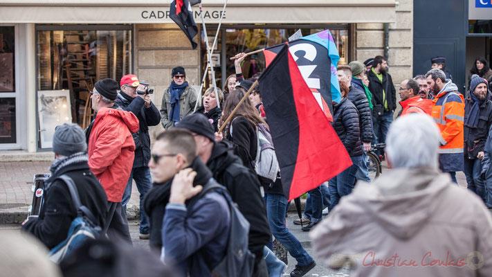 14h50, tambour et chant par les Anarchistes et la C.N.T., place Gambetta, Bordeaux