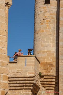 """""""Cheveux au vent"""" Détail architectural du palais royal, Olite, Navarre / """"Pelo al viento"""" Detalle arquitectónico del palacio real, Olite, Navarra"""