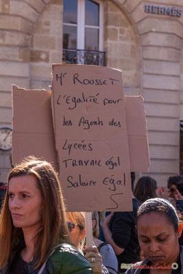 """""""Mr Rousset l'égalité pour les agents des lycées, travail égal, salaire égal"""" Manifestation intersyndicale de la Fonction publique, place Gambetta, Bordeaux. 10/10/2017"""