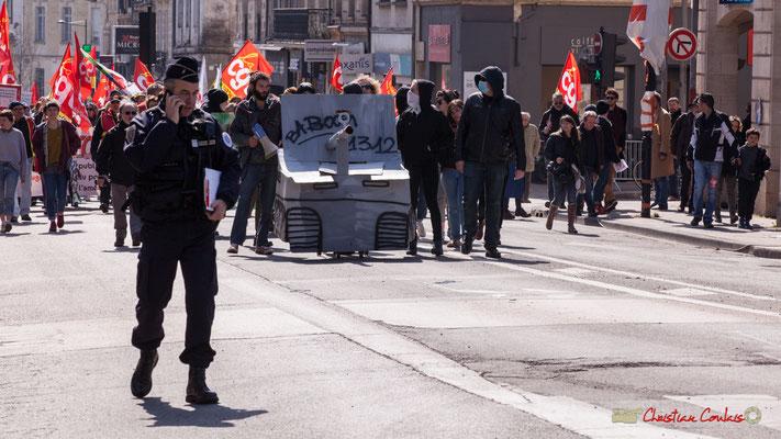 14h14 Manifestation intersyndicale de la Fonction publique/cheminots/retraités/étudiants, rue du Docteur Nancel Penard, Bordeaux. 22/03/2018