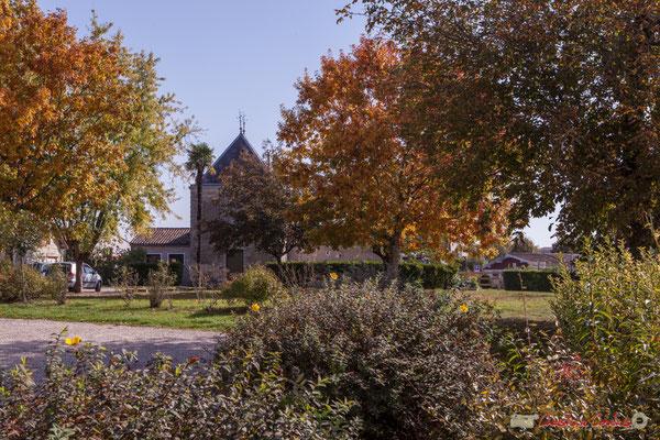 Depuis le parce de la Mairie-Ecole de Cénac, la Villa Argentina. Gironde. 16/10/2017