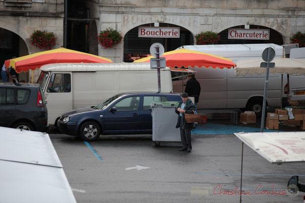 """""""Par où vais-je commencer mes achats ?"""" Marché de Créon, Gironde"""