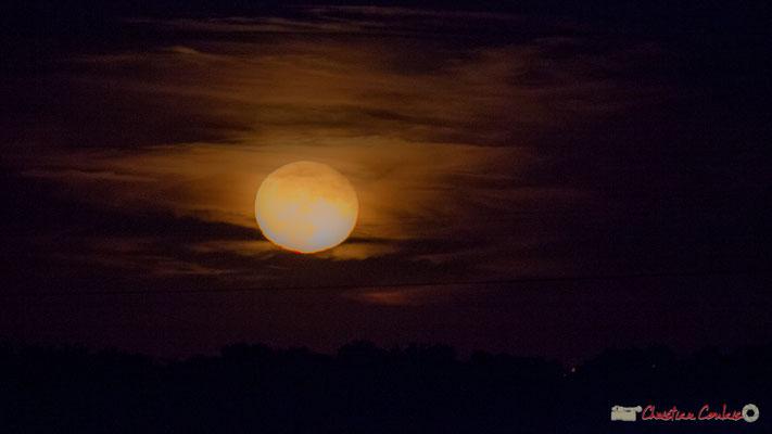 20h32. Lever de lune sur Cénac. 06/10/2017