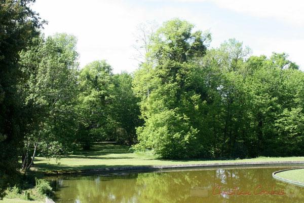 Pièce d'eau. Parc du Château de Latresne, site de l'Aérocampus Aquitaine