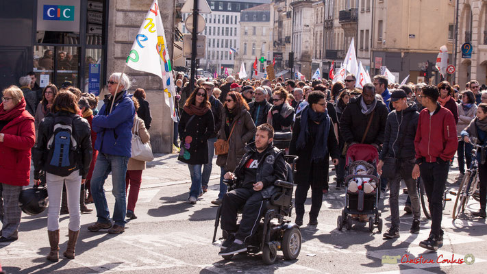 15h08 Manifestation intersyndicale de la Fonction publique/cheminots/retraités/étudiants, place Gambetta, Bordeaux. 22/03/2018