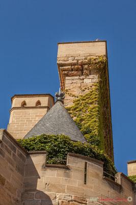 """""""Coucou, vous me voyez ?"""" Détail architectural du palais royal, Olite, Navarre / """"Cuco, ¿me ves?"""" Detalle arquitectónico del palacio real, Olite, Navarra"""