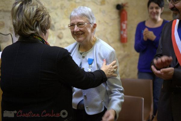 Une certaine émotion... Françoise Cartron, Sénatrice et Suzette Grel, Chevalière de l'Ordre national du Mérite, ce 7 février 2015 à Le Pout