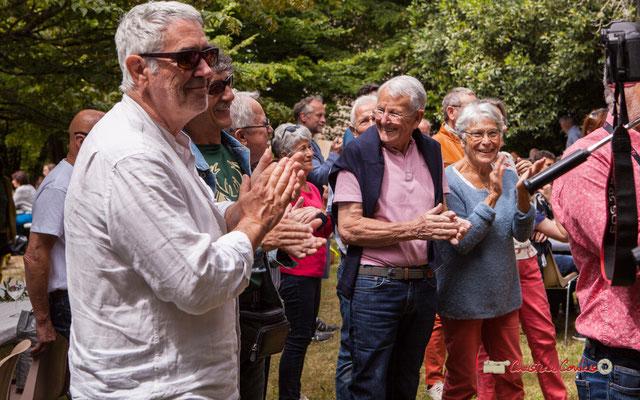 Applaudissements des bénévoles JAZZ360 pour François Sick. Festival JAZZ360 2019, Château Duplessy, Cénac, lundi 10 juin 2019