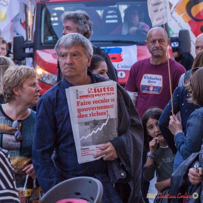 """""""Demandez Lutte ouvrière, Faire reculer ce gouvernements de riches !"""" Manifestation intersyndicale de la Fonction publique, place Gambetta, Bordeaux. 10/10/2017"""