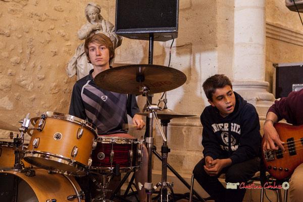 Chorale des CE2 / CM du Tourne dirigée par Vincent Nebout accompagnée par la Classe Jazz du Collège Eléonore de Provence. Festival JAZZ360 2019, vendredi 7 juin 2019.