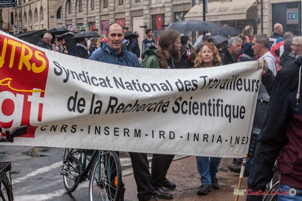 CGT Syndicat National des Travailleurs de la Recherche Scientifique. Manifestation contre la réforme du code du travail. Place Gambetta, Bordeaux, 12/09/2017