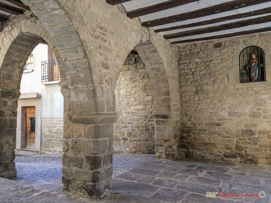 Place de la Vierge / Plaza de la Virgen, Aibar, Navarra