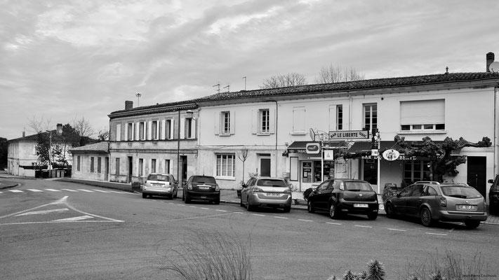Le bourg, bar Le Liberté par Jean-Pierre Couthouis. Cénac d'aujourd'hui. 13/01/2018