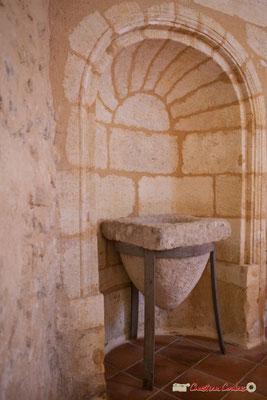 Fonds baptismaux monolithes. Eglise Saint-André, Cénac. 11/05/2018