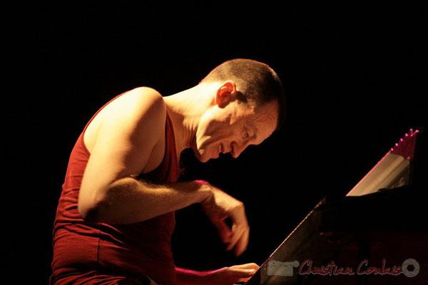"""Médéric Collignon au Fender Rhodes; Médéric Collignon """"Jus de Bocse"""". Festival JAZZ360 2011, Cénac. 04/06/2011"""