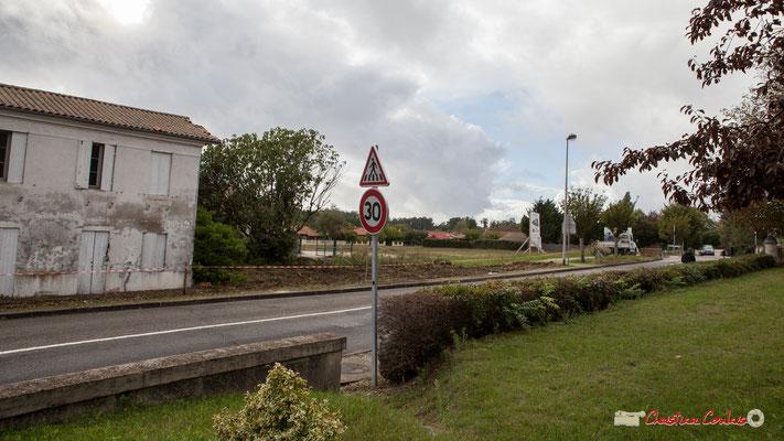 Avenue de Bordeaux, futur emplacement de la Résidence Argentina. Cénac, 11/10/2012