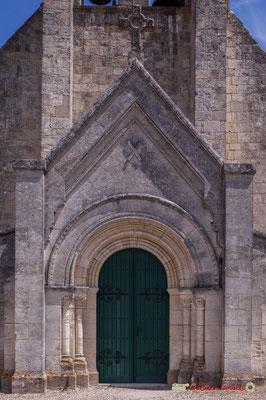 Porche deuxième partie du XIXème siècle. Eglise Saint-André, Cénac. 11/05/2018