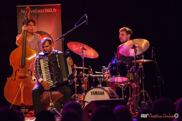 Eym Trio; Yann Phayphet, Marian Badoï, Marc Michel. Festival JAZZ360, Cénac, 09/06/2017
