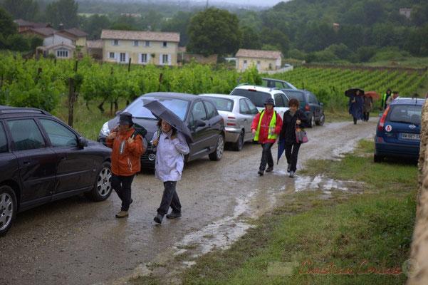 Arrivée au château Lestange; Randonnée jazzy avec les Choraleurs. Festival JAZZ360 2012, Quinsac, dimanche 10 juin 2012