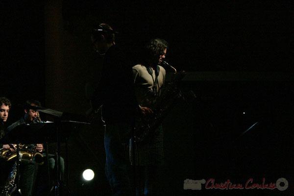 Solo de Grat Martinez et son saxophone baryton. Big Band du Conservatoire Jacques Thibaud, section Musiques Actuelles Amplifiées-Jazz. Festival JAZZ360 2010, Cénac. 14/05/2010
