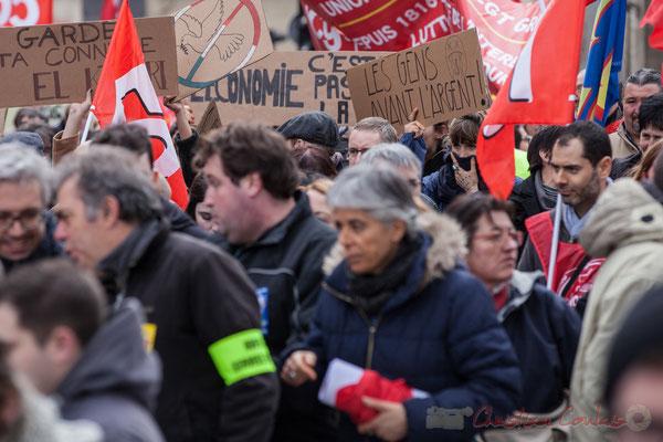 """14h32, """"Les gens avant l'argent"""". Place Gambetta"""