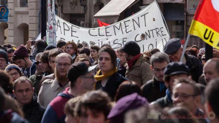 """14h28, (Lycée) """"Pape Clément se mobilise contre......loi"""". Rue du Docteur Charles Nancel Penard"""