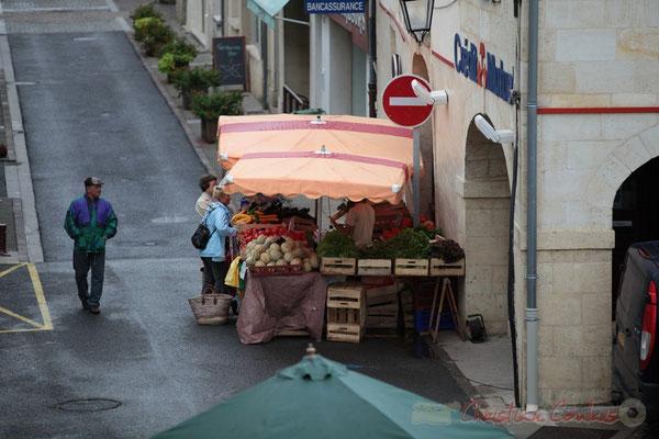 Etal du producteur de légumes, Marché de Créon, Gironde