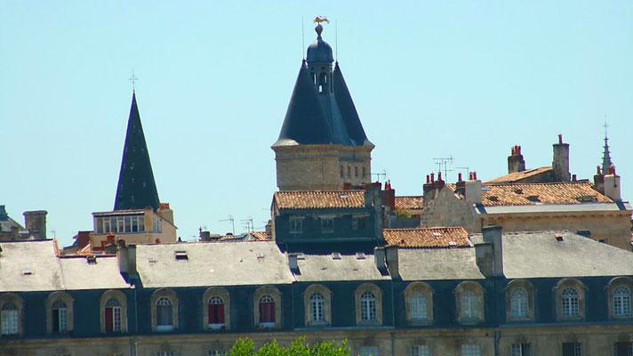 Quai Richelieu, église Saint-Eloi, Gosse cloche de Bordeaux. Reproduction interdite - Tous droits réservés © Christian Coulais