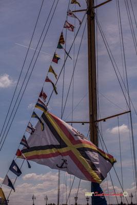 Oriflammes et drapeau de la flotte royale belge, ketch Zénobe Gramme. Bordeaux, 22/06/2019 Reproduction interdite - Tous droits réservés © Christian Coulais