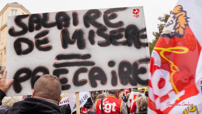 """""""Salaire de misère = précaire"""" Manifestation intersyndicale, Bordeaux, mardi 5 octobre 2021. Photographie © Christian Coulais"""