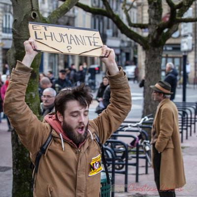"""14h37, """"Et l'Humanité ?"""" Place Gambetta, Bordeaux, manifestation du 9 mars 2016"""