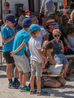 """""""Dessinatrice portraitiste, aux enfants de plus en plus curieux"""", Festival JAZZ360, Quinsac, 11/06/2017"""