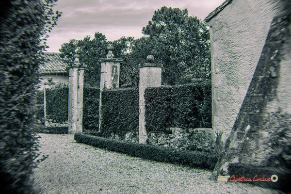 Entrée de la maison noble (XVIème siècle) par le Sud, Domaine de Malagar. Centre François Mauriac, Saint-Maixant. 28/09/2019 Reproduction interdite - Tous droits réservés © Christian Coulais