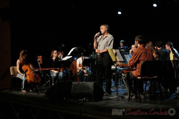 Richard Raducanu entouré du Big Band du Conservatoire Jacques Thibaud, section MMA. Festival JAZZ360, Cénac. 03/06/2011