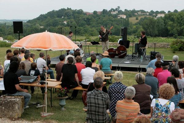 """""""ça se passe comme ça au Festival JAZZ360"""" Philippe Bayle Trio, Festival JAZZ360, Quinsac. 05/06/2011"""