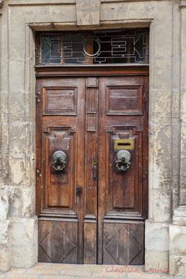 29 Porte double battant d'hôtel particulier, Arles