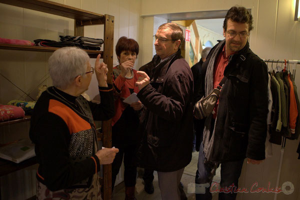 Suzette Grel, Mireille Ormaechea, Daniel Coz, Vincent Feld. Vestiaire solidaire, l'Annexe de la Cabane, 38, rue Amaury de Craon à Créon