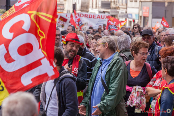 Cégétiste jusqu'au bout du chapeau. Manifestation intersyndicale de la Fonction publique, place Gambetta, Bordeaux. 10/10/2017