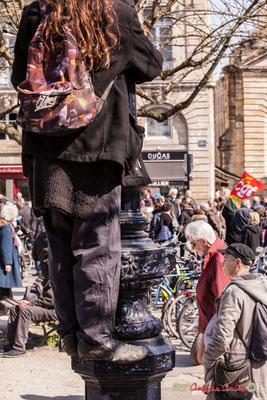 """14h22 """"Prendre de la hauteur 1"""" Manifestation intersyndicale de la Fonction publique/cheminots/retraités/étudiants, place Gambetta, Bordeaux. 22/03/2018"""