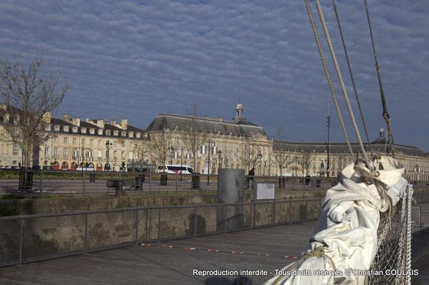 À bord de la gabare les Deux Frères, appontée au quai de la Douane. Bordeaux, samedi 16 mars 2013