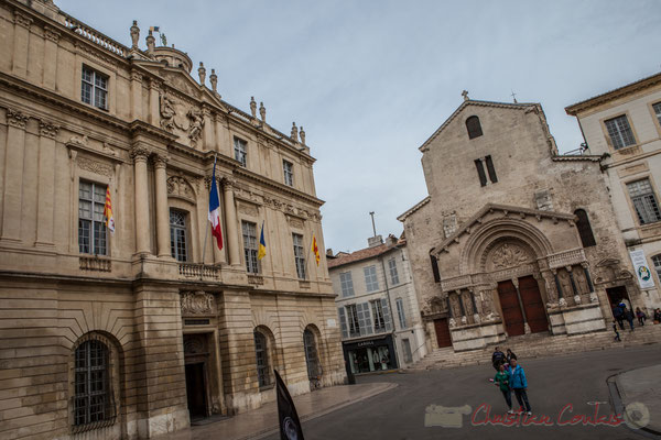 11 Hôtel de ville, Eglise Sainte-Trophine, Place la République, Arles